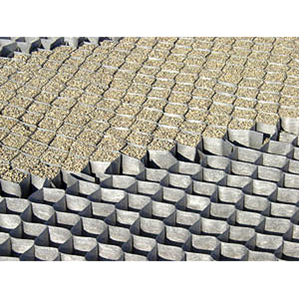 Structure alv olaire groundgridtm films de protection et for Dupont ground grid stabilisateur de graviers
