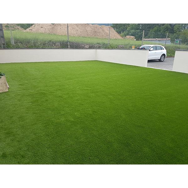 Gazon synth tique trait uv mat riel paysagiste achatmat for Materiel amenagement jardin
