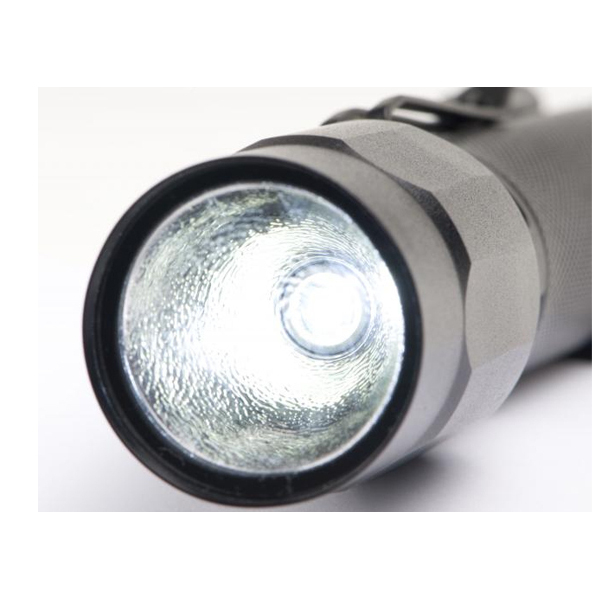 torche tactique m5 led 2360 torches et lampes de poches. Black Bedroom Furniture Sets. Home Design Ideas